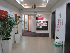 Embassyのエレベーター出たところ(6階・Embassyの生徒のみのフロア)2
